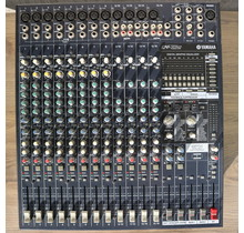 EMX5016CF powered mixer (Occasion)
