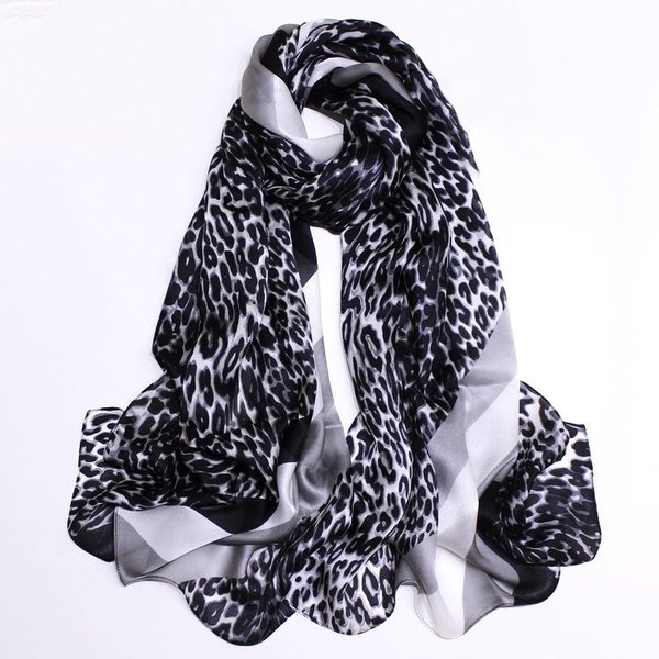 Zijden sjaal van 100% zijde met dieren print