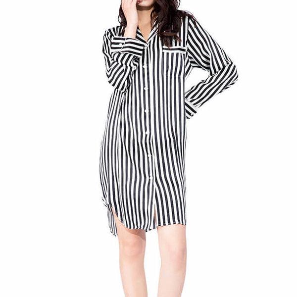 Chemise de nuit rayée en soie pour femme