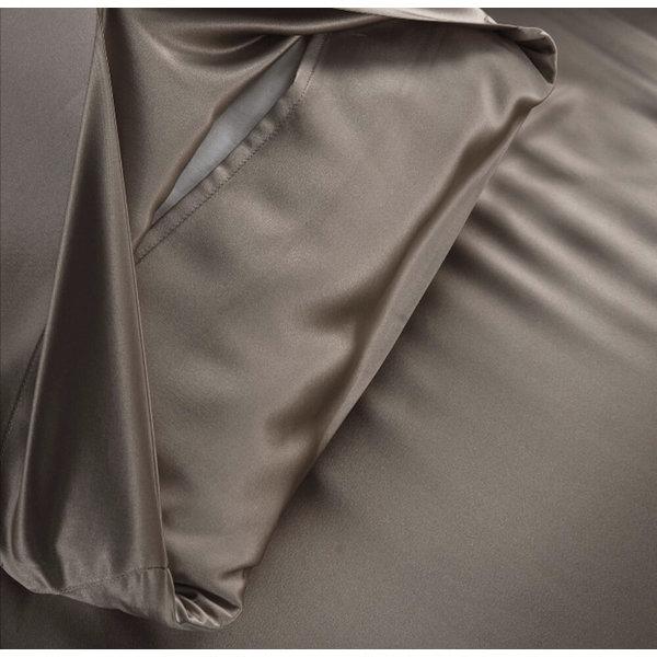 Funda de almohada de seda 19momme chateau marrón