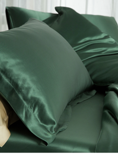 Silk fitted sheet 19mm forest green