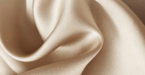 Por qué los accesorios de seda son el nuevo lujo