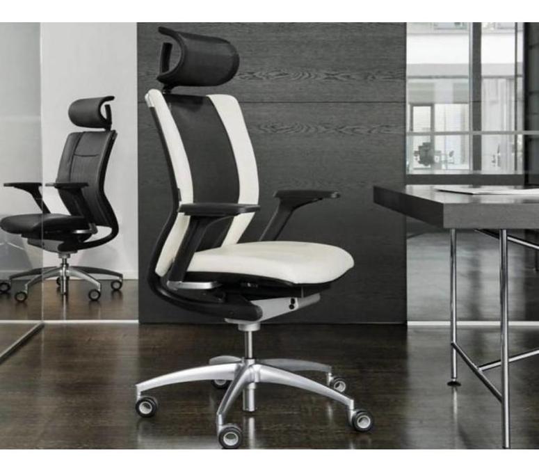 Deze zwart-witte Titan Limited design bureaustoel is van hoge kwaliteit. – Brand New Office