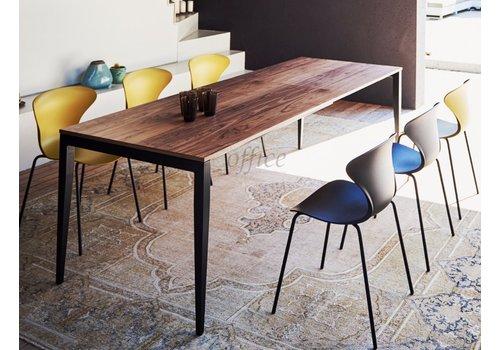 Jan Kurtz Jupiter uitschuifbare tafel uit hout