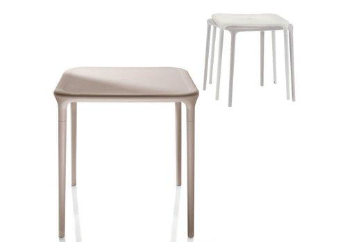 Magis Air table résistant aux intempériers