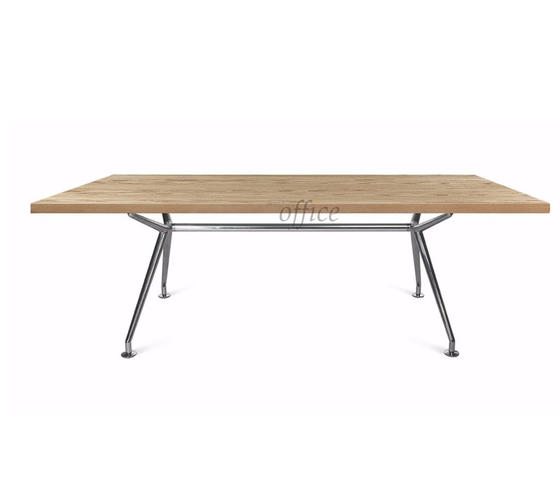 W-table in massief eik