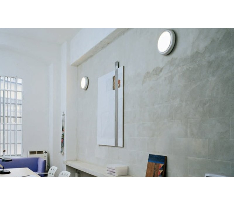 Oluce 1960 wand- en plafondlamp