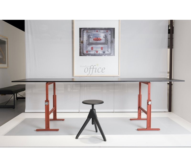 Brut verstelbare designtafel