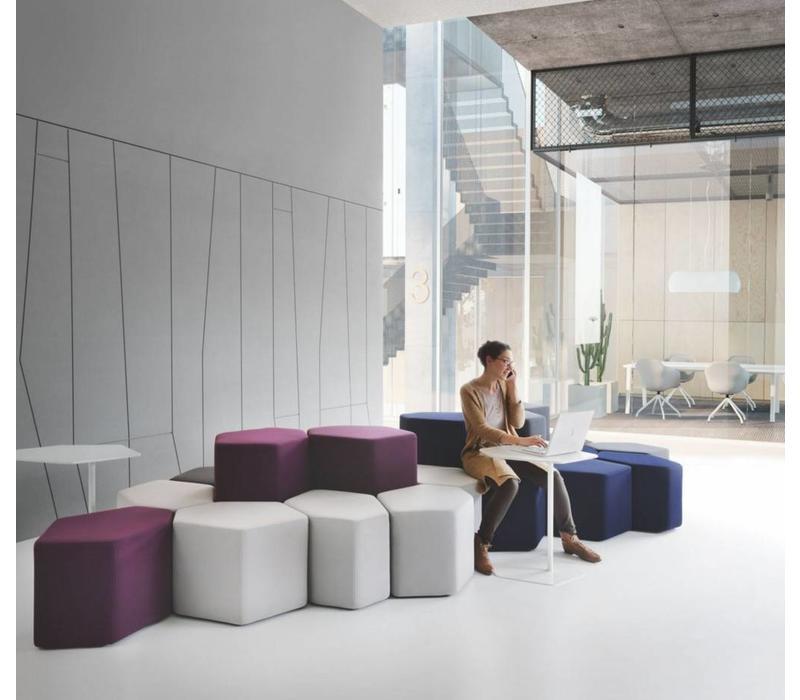 De Modern Modular kantoortrend van 2020 zien we terug in deze modulaire poefen – Brand New Office
