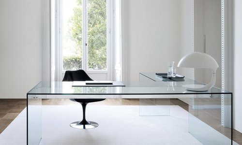 Wat zijn de voordelen van een glazen bureau?