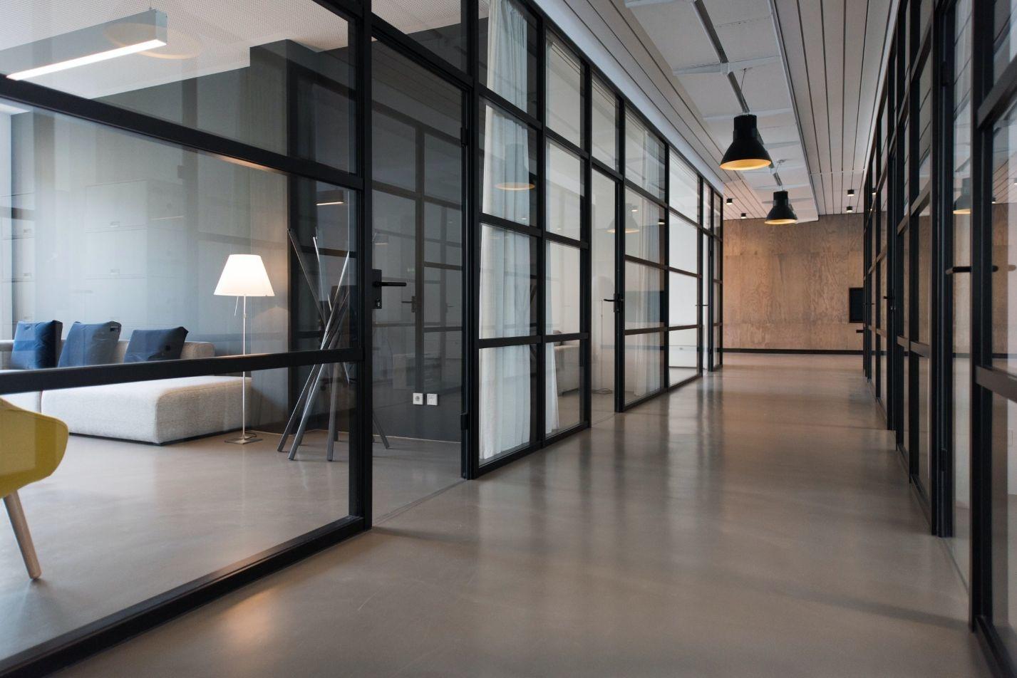 Welke kantoormeubilair merken biedt Brand New Office aan?