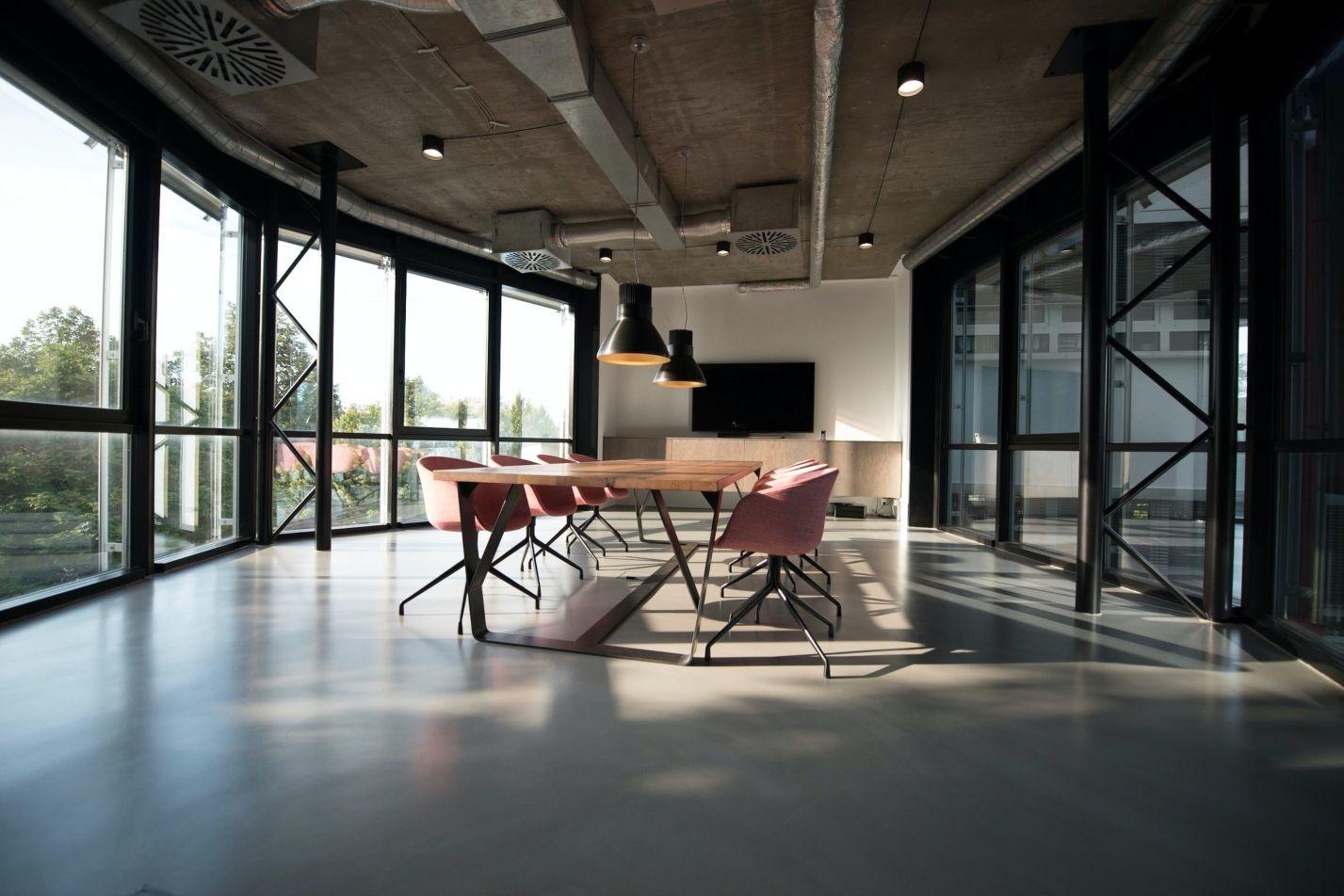 Acheter du mobilier de bureau en ligne: quels avantages ?