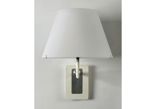 Axis 71 One wall lamp