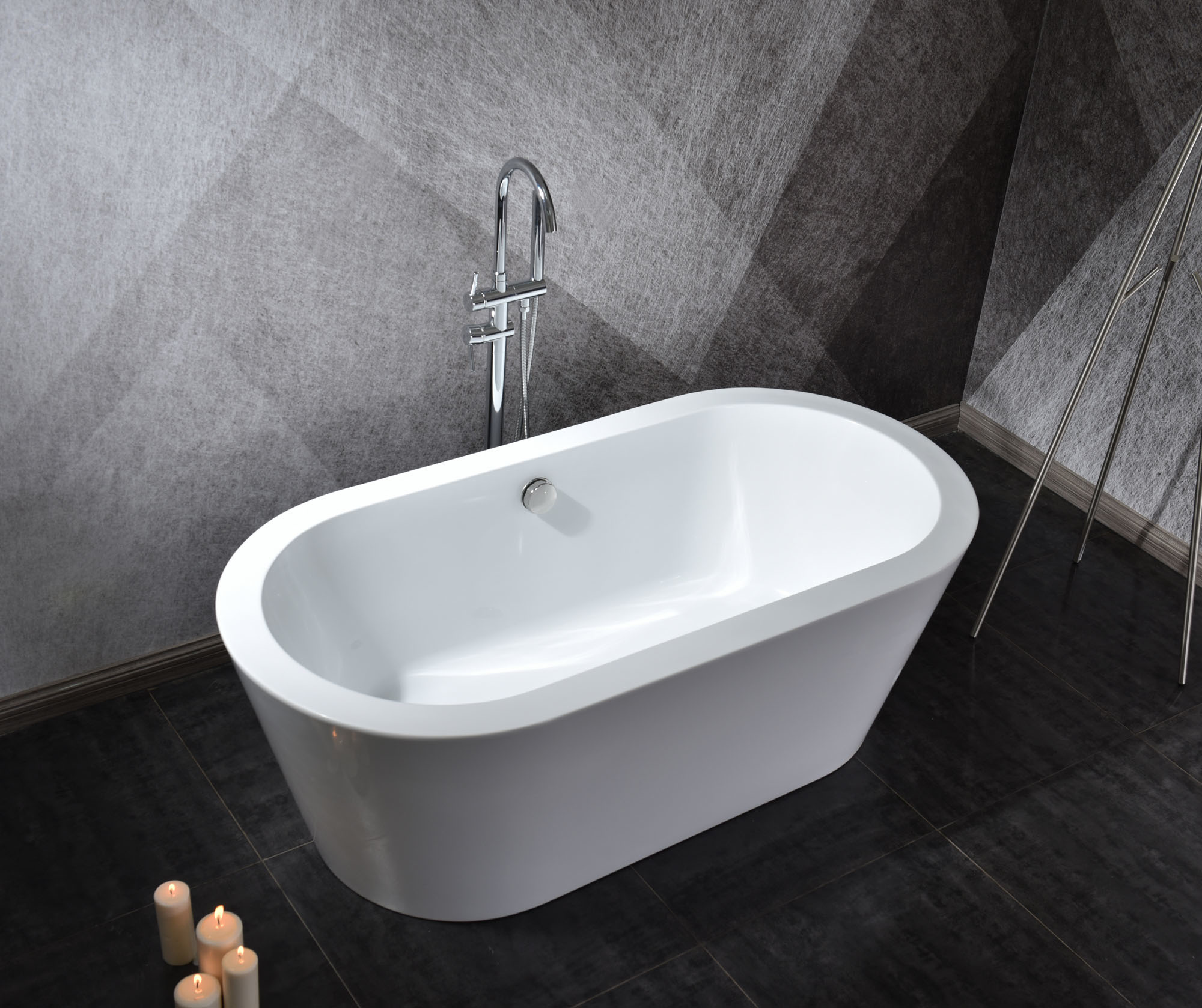 Linea Uno Design Badewanne Riga 170