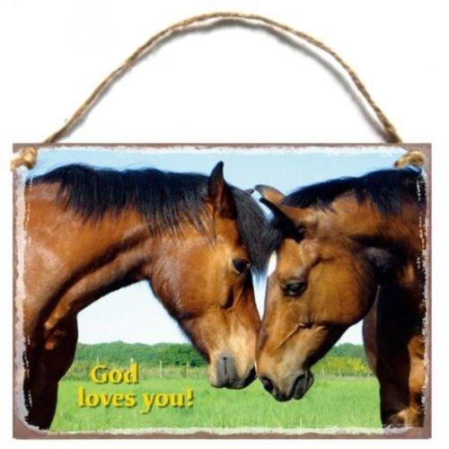 Wooden A5 wall hanging sign/Houten tekstbord met de tekst: God loves you