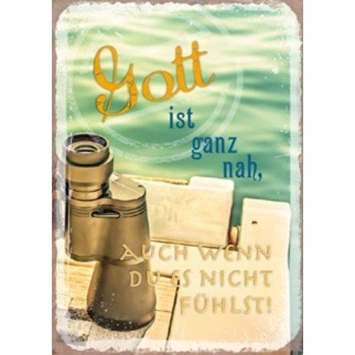 Kühlschrankmagnet aus Metall/metalen magneet  5x7 cm., 20 gr. met de tekst:  Gott ist ganz nah, auch
