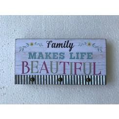 Houten blok 20x10x2,5 cm, ong. 145 gr, motief 4. Met de tekst: Family makes life beautiful