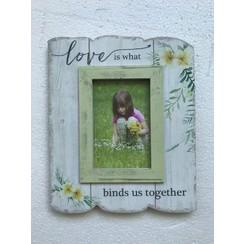 MDF fotolijst 23x28x1,8 cm, ong. 460 gr, formaat foto: plm. 10x15 cm; motief 1. Met de tekst: Love i