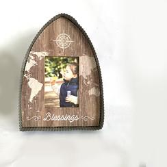 MDF&zink fotolijst 18x25x3,4 cm, ong. 290 gr, formaat foto: plm. 9x13 cm; motief 5. Met de tekst: Bl