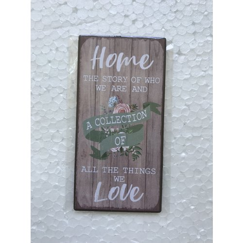 Magneet 5x10 cm, ong. 40 gr.; motief EN2. Met de tekst: Home, the story of who we are and a collecti