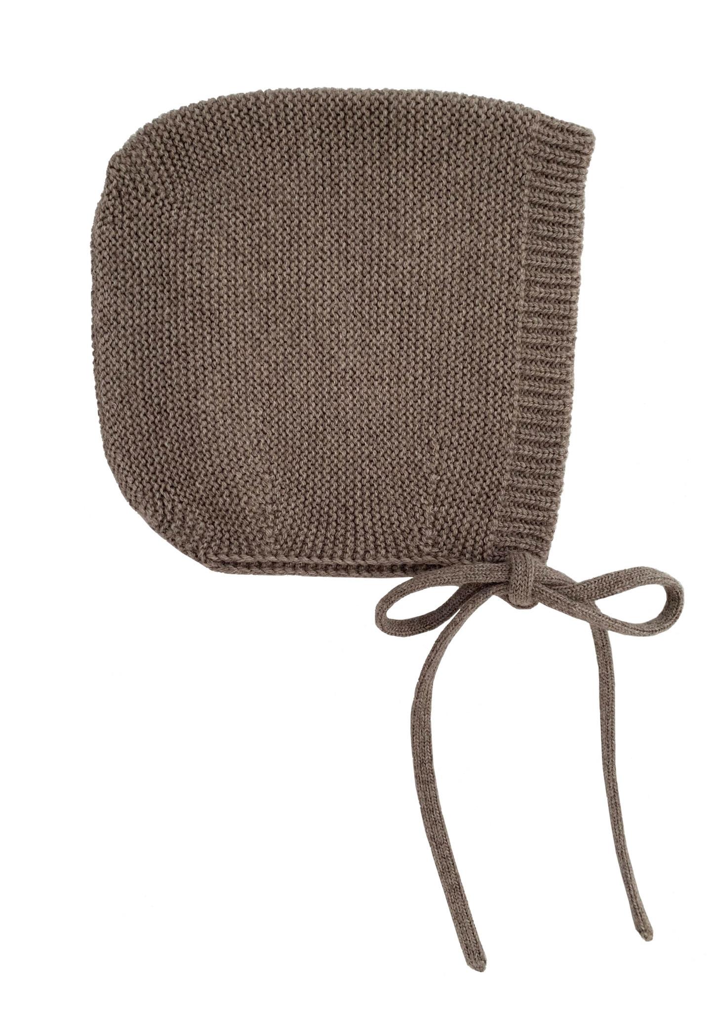 Bonnet dolly otter-1