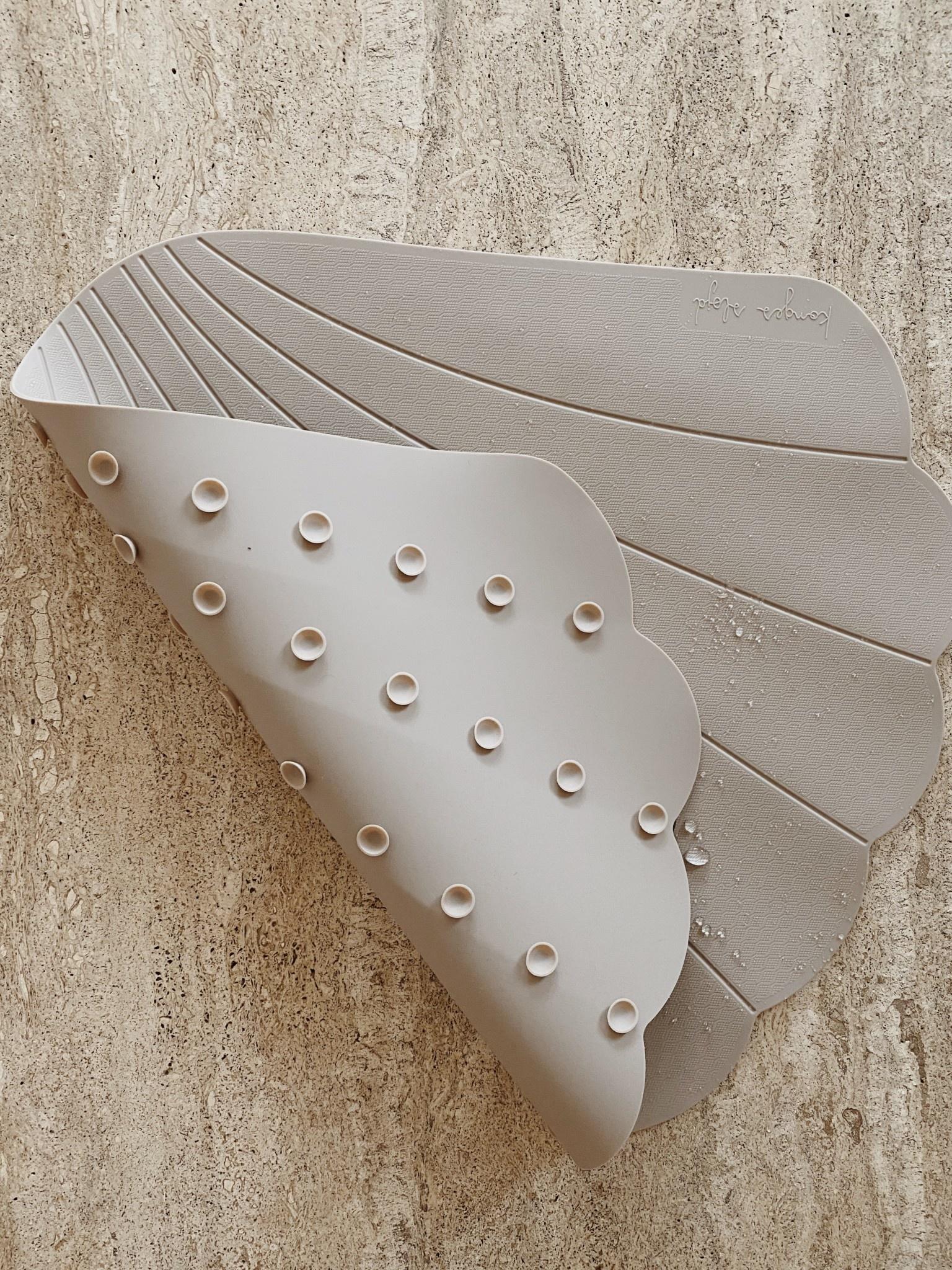 Silicone bath mat clam warm grey-3
