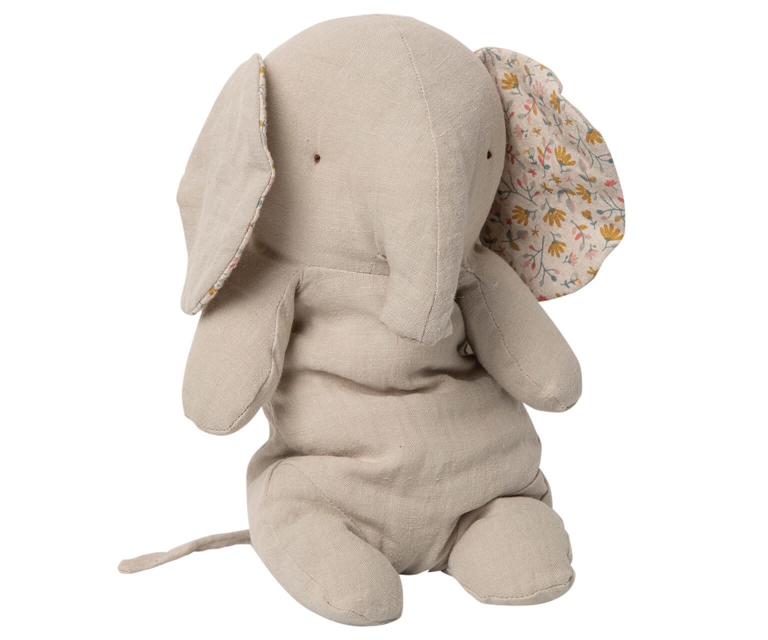 Safari friends medium elephant-1