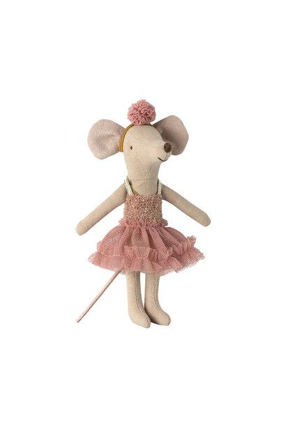 Dance mouse, big sister, mira belle