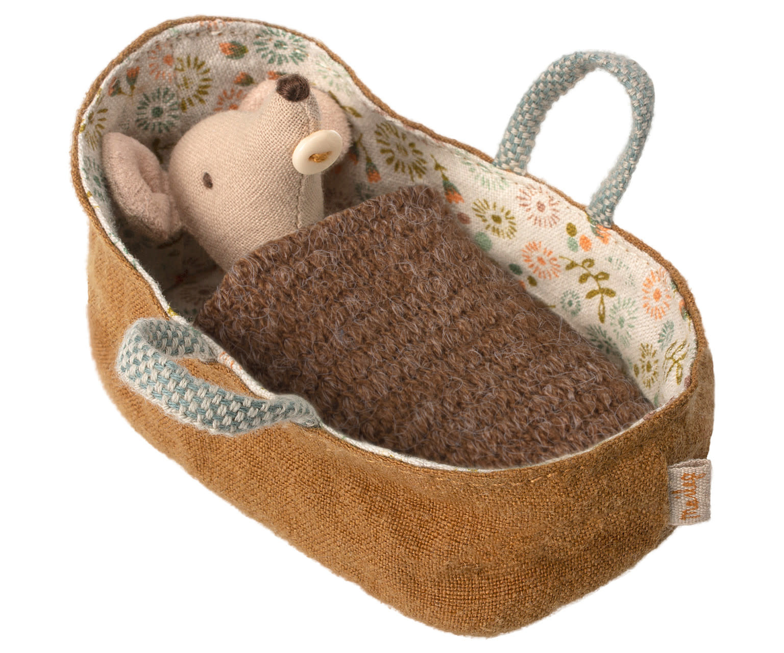 Baby mouse in carrycot-1