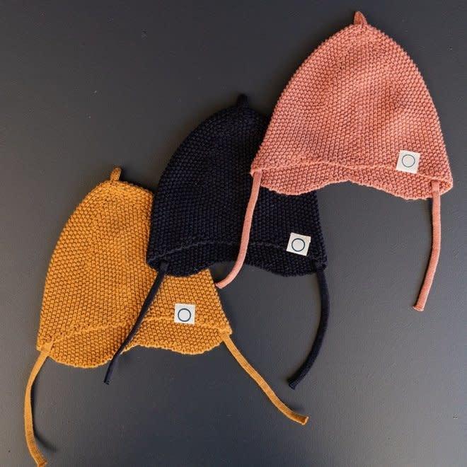 Knitted newborn hat terracotta-1