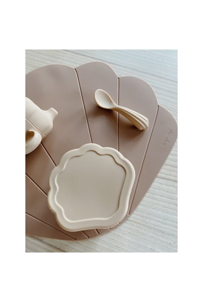 Silicone clam set shell