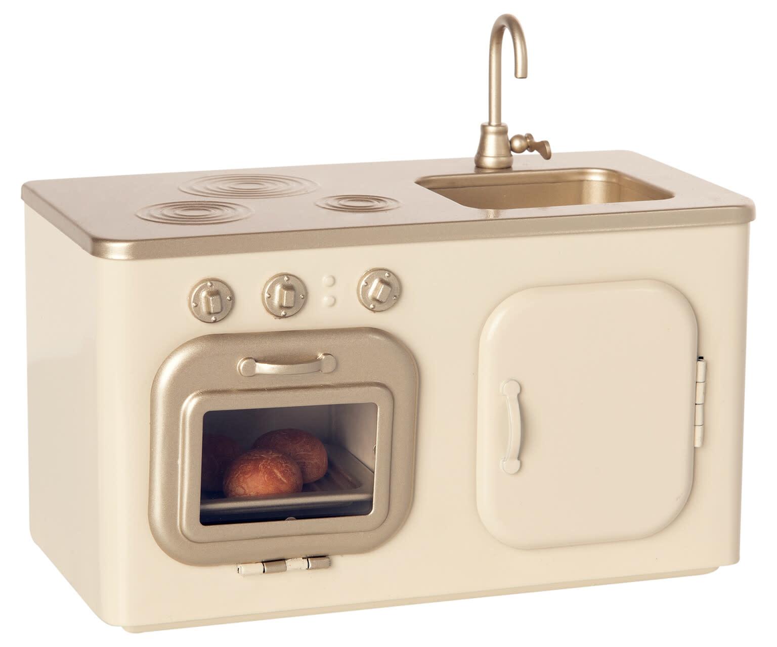Miniature kitchen-1