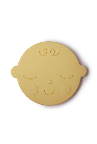 Teether face banana cream