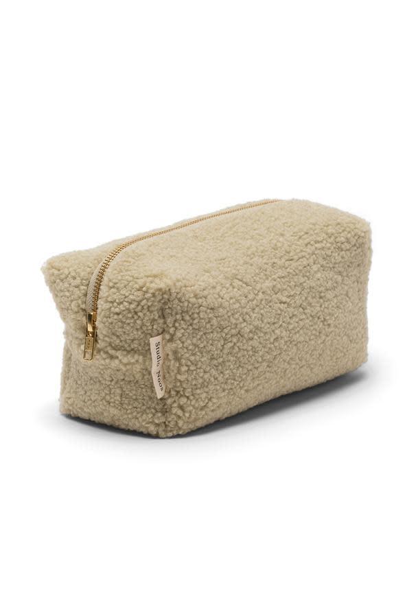 Pastel pistache pouch-1