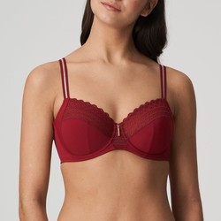 East End full cup C-H rood boudoir