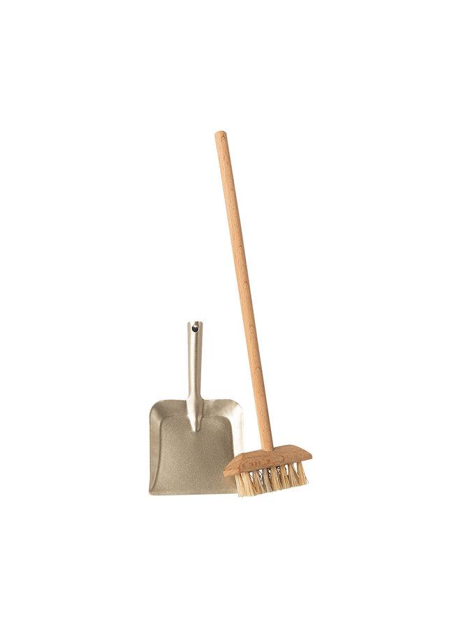 Maileg | broom set