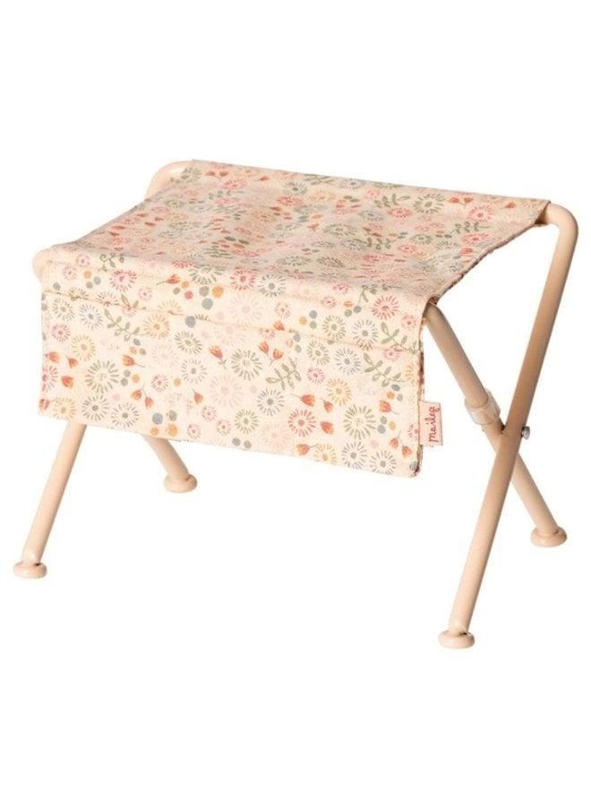 Maileg | nursery table