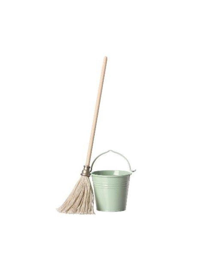Maileg | bucket and mop