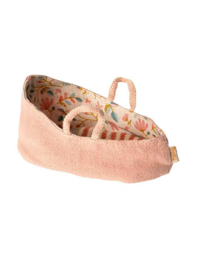 Maileg | carry cot | misty rose