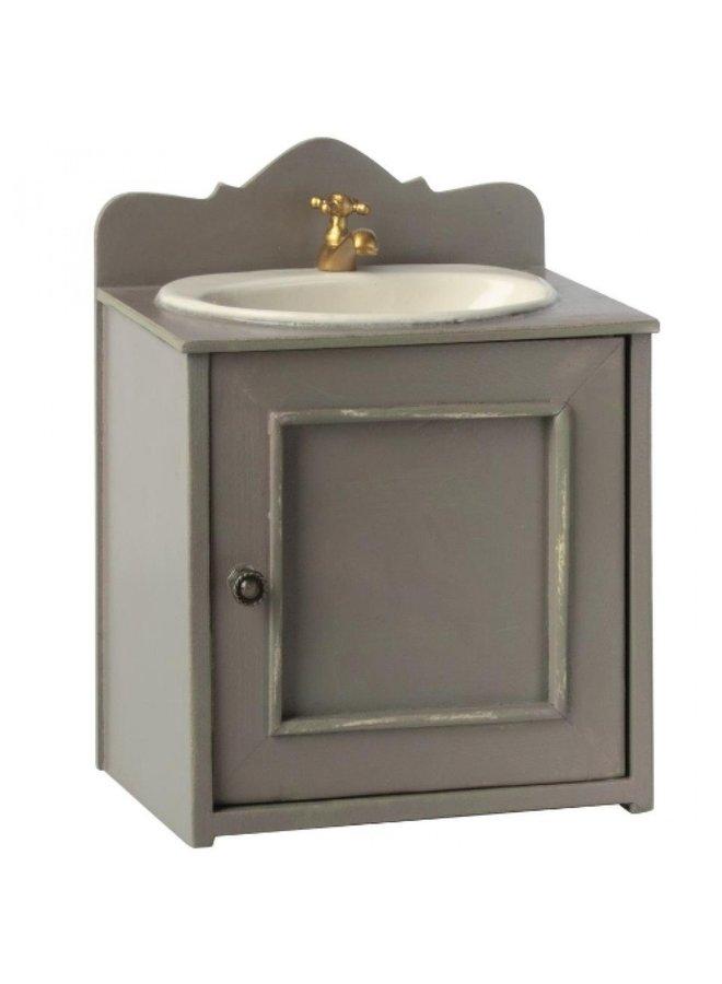 Maileg | miniature bathroom sink