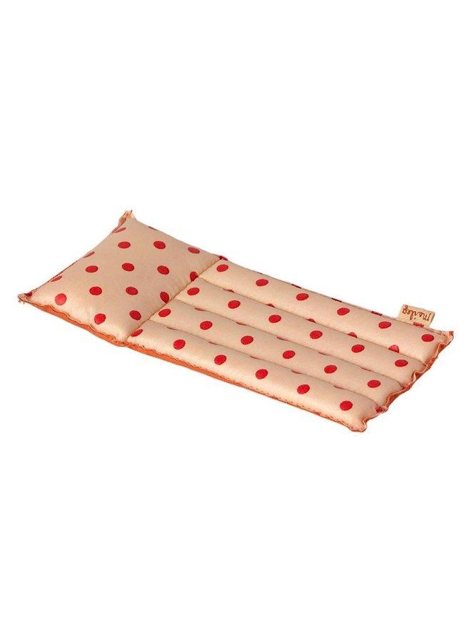 Maileg   air mattress   red dot