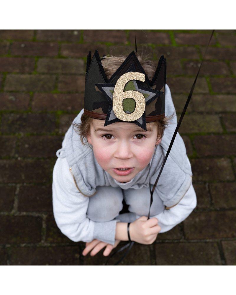 Cijfers en ster voor Army kroon