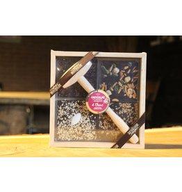Kistje, 4 soorten chocolade met hamer