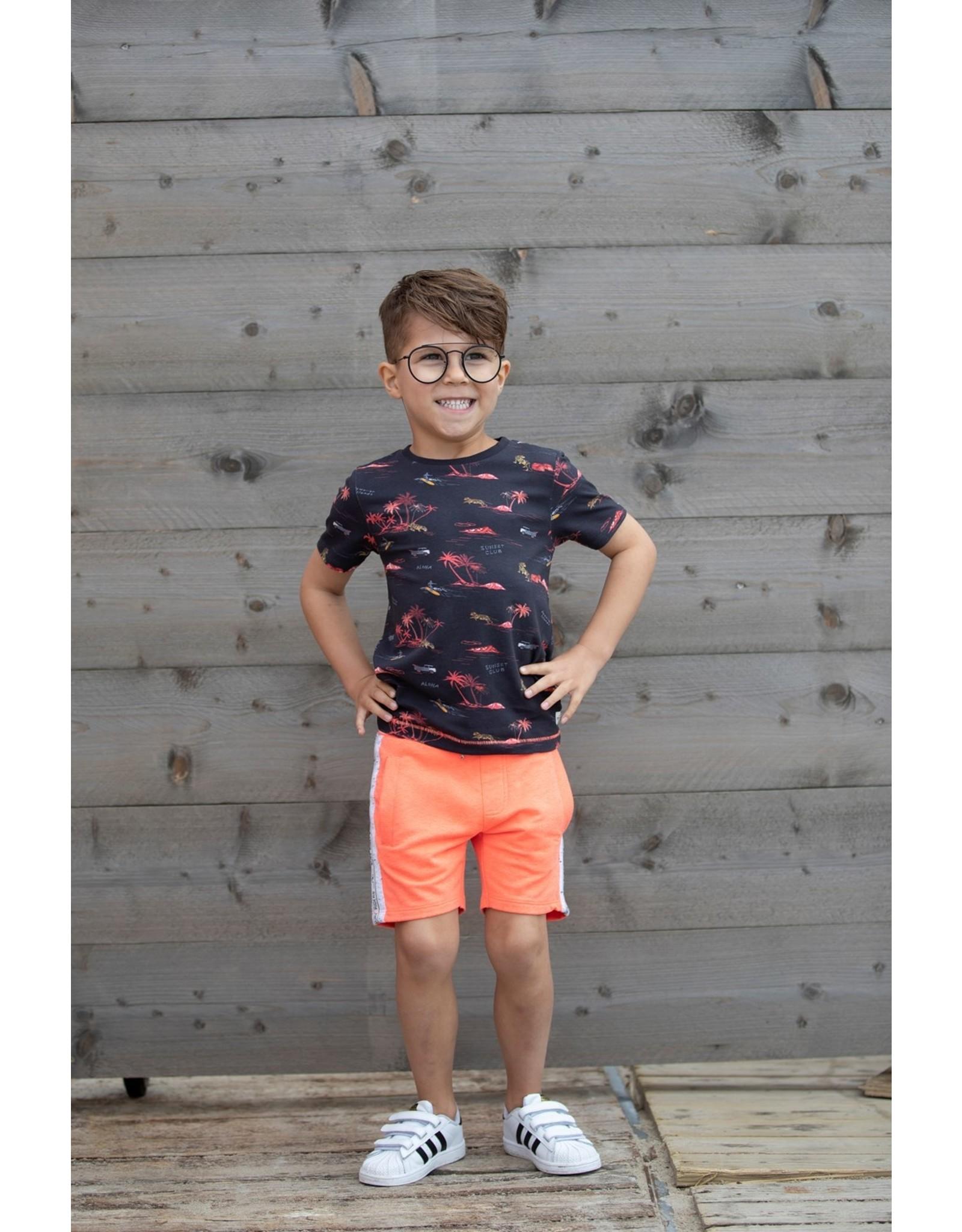Sturdy Short - Happy Camper. Neon Koraal