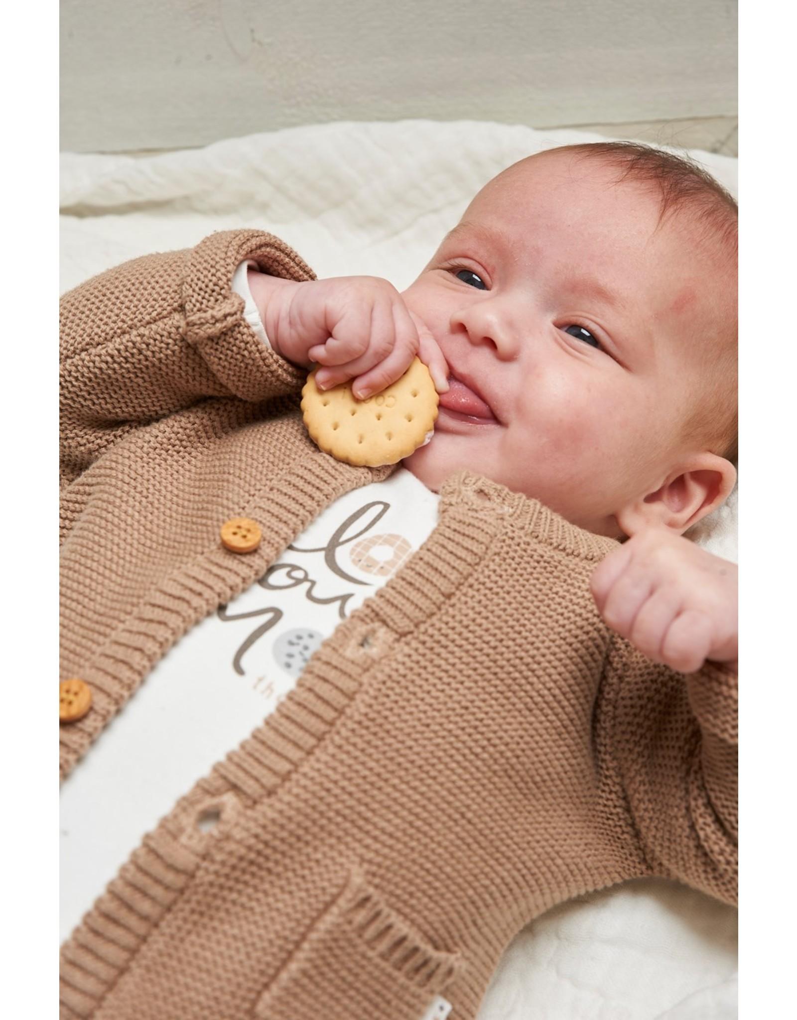 Feetje Vestje gebreid - Mini Cookie. Zand
