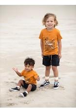 Feetje T-shirt Sunset Club - Happy Camper. Okergeel