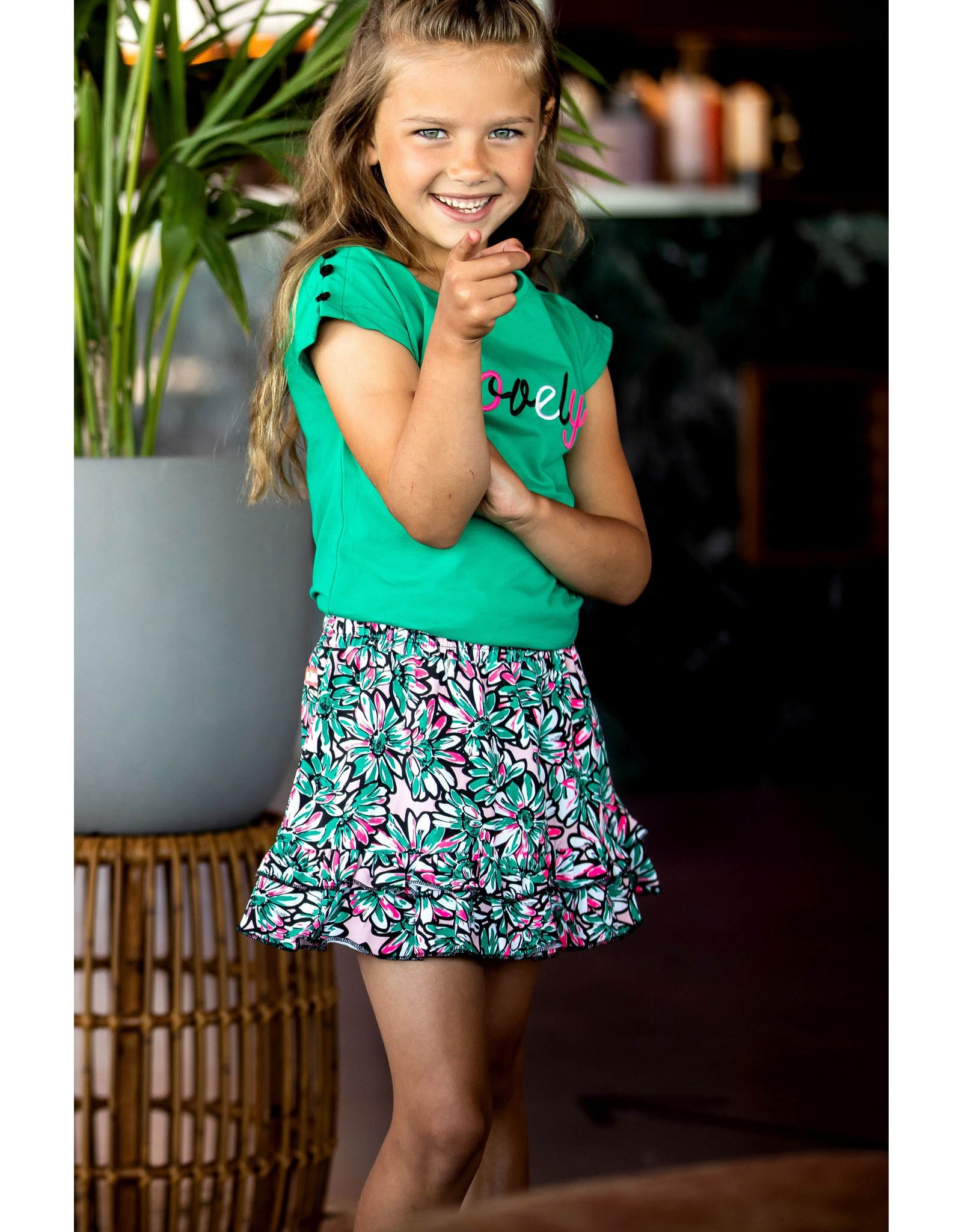 B-Nosy Girls shirt with buttons on top of the shoulder, Golf green