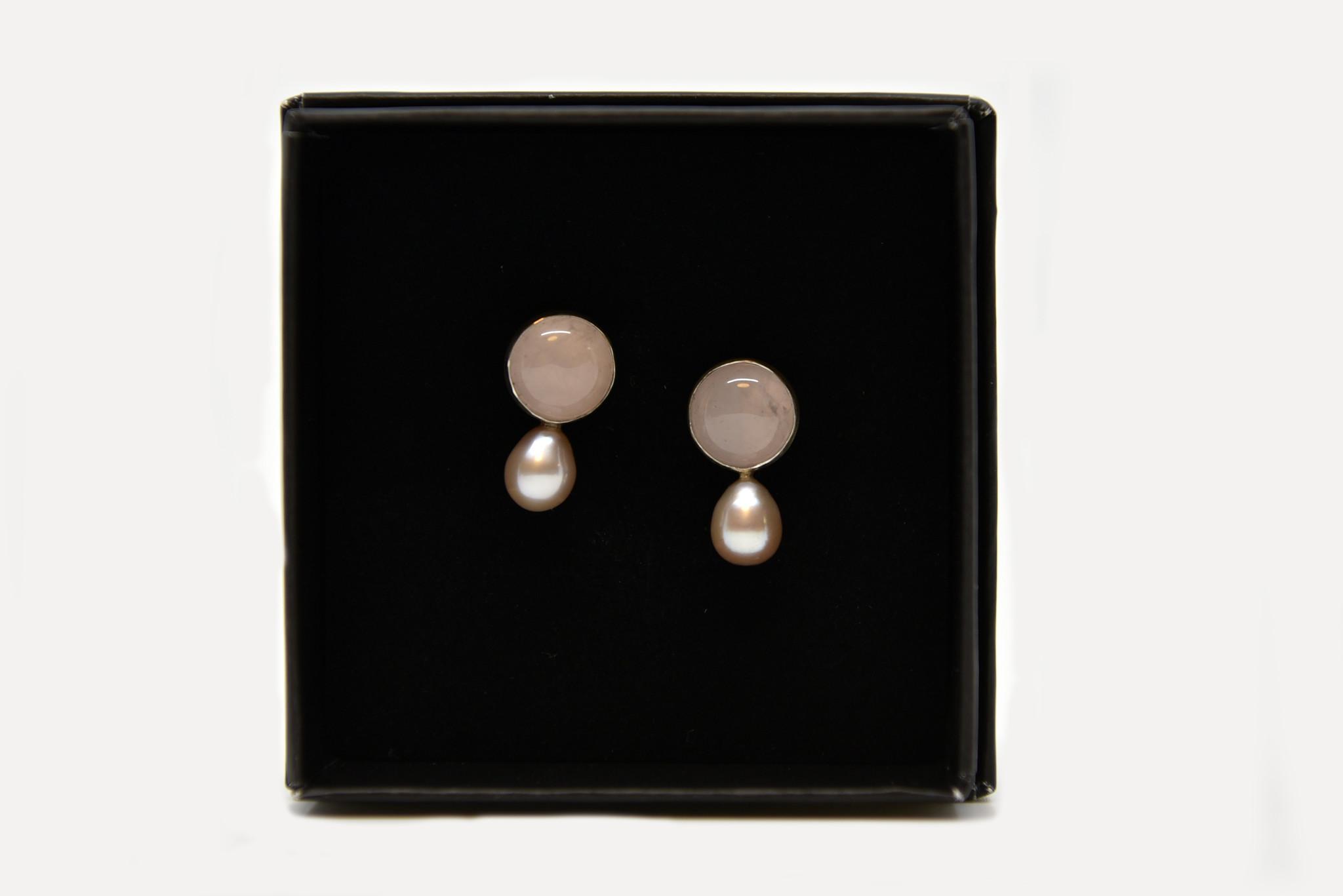Onis Unieke zilveren oorbellen met rozekwarts en zilveren zoetwaterparels - Onis