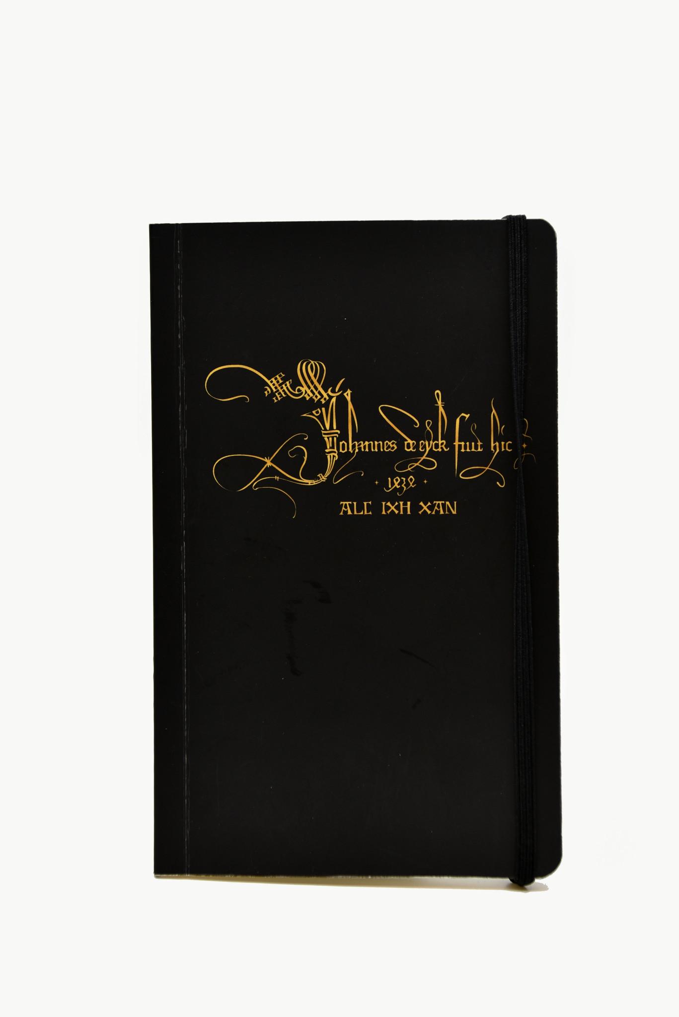 Van Eyck shop Notitieboekje met handtekening en motto van Jan Van Eyck - A6 met elastiek