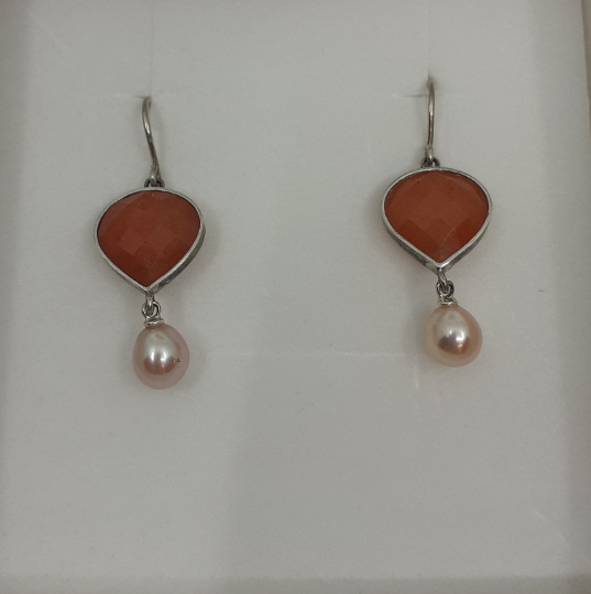 Onis Unique silver earrings with jade and freshwater pearls - Onis